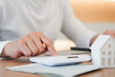 Want to save on home loans? Just talk to your peers! /